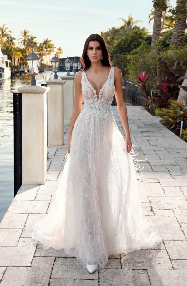 1019 Demetrios robe mariée