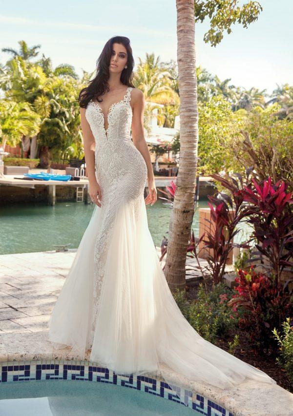 Entre dentelle et tulle, la robe de mariée Lise propose un